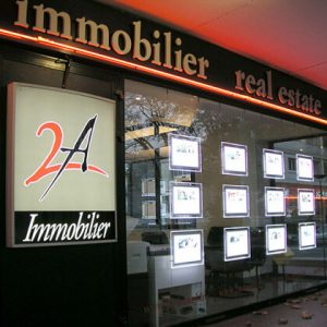 Immobilier-Acrylic-Led-Listing-Window-Displays