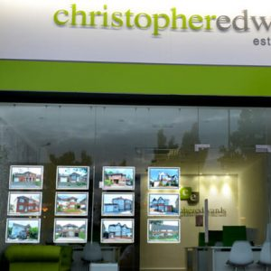Media-Virtrine-Advertising-Acrylic-Lightbox-Real-Estate-Window-Led-Display