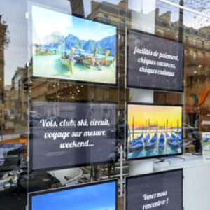 Travel-agency-led-light-pocket-storefront-signage-led-backlit-displays